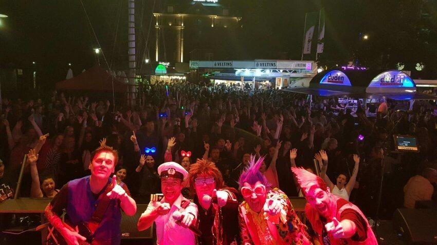 Delft- und Hafenfest Emden Atomic Playboys